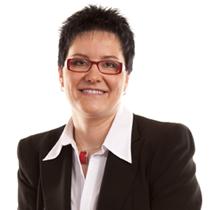 Porträt Annett Preuß, Steuerberaterin der Kanzlei Bach Wandner Haak Erfurt